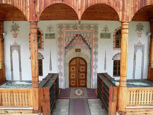 Fotografije vjerskih objekata - Page 2 Dzamija-tesanj-rastauracija-2011-1